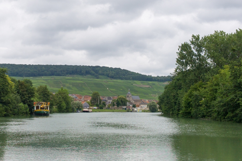 Auf der Marne bei Epernay
