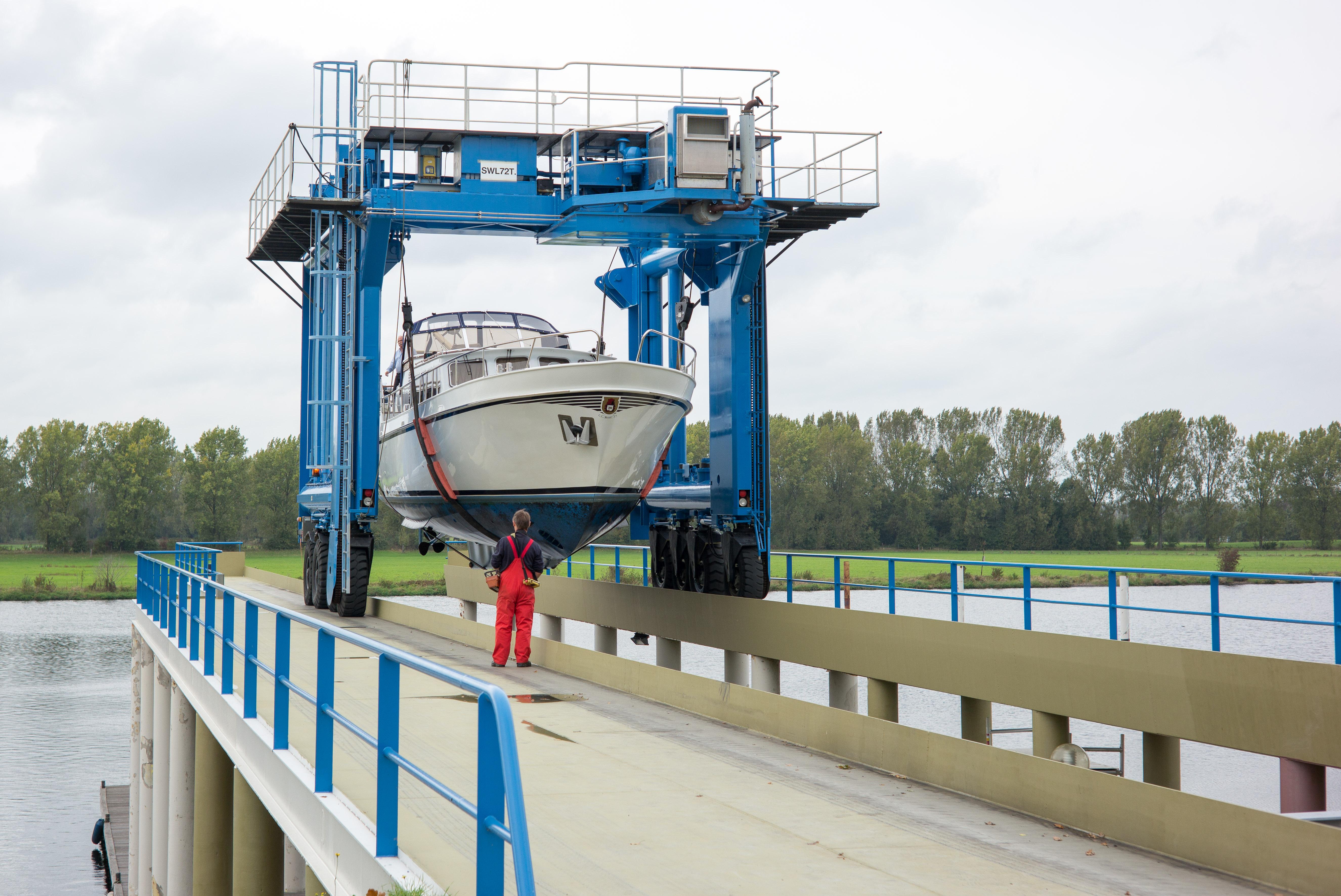 Kran Van der Laan Yachting